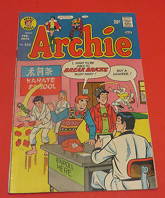 1974 Archie #232 20C Fawcett Edition Karate School