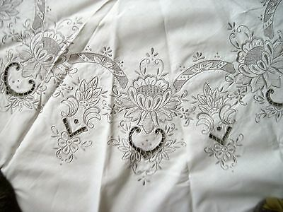 Pretty Vtg Cream Cutwork Madiera Embroidered Round Tablecloth w/Gray Embroidery