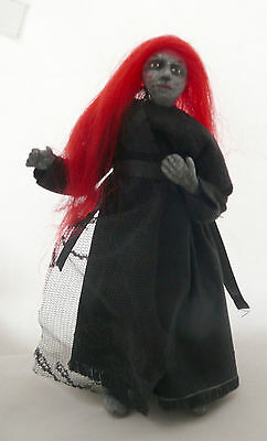 Dolls House Miniature Granite Witch 1-12Th Scale