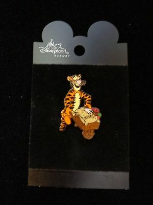 Disney Pin DLR Tigger with Wheelbarrow Retired