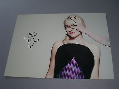 Kate Miller-Heidke signed autograph Autogramm 8x11 inch photo in person