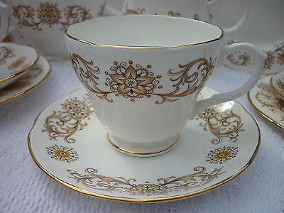 Duchess Crestwood Traditional Tea Set serves 5