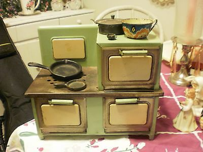 Vintage 30-40's childs Electric Stove Jadite Green with  Cast Iron Pans