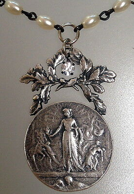 FRENCH DEDICATION Medal Pearl Necklace Laurel Wreath PEARLS Rhinestone L COUDRAY
