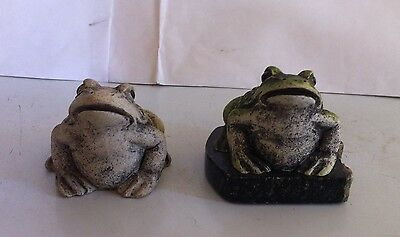 Cute Set of 2 Resin Animals Frogs Toads Resin Marble Stand Collectible Figurines