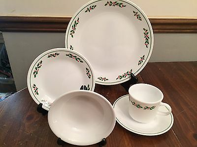"""Corelle  """"Holly Days"""" Dinnerware ~ 5 Piece Place Setting ~ Plates, Bowls, Cups"""