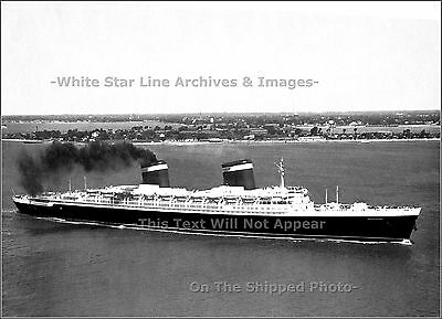 Photo SS United States Heads Out For Final Sea Trials, June 10, 1952