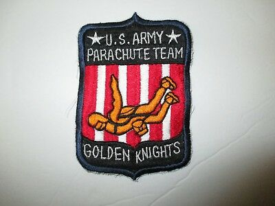 b5979 US Army Golden Knights Parachute Team