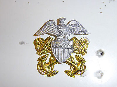 b1607 1920's- WW2  US Navy Officer Cap Emblem Eagle faces right