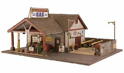 Woodland Scenics BR4935 N Ethyl's Gas & Service Structure