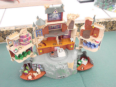 Harry Potter Polly Pocket Hogwarts School Castle Motorized no Figures Working