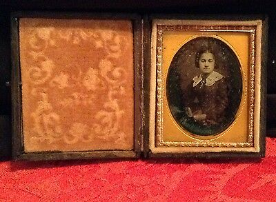AFRICAN AMERICAN WOMAN DAGUERREOTYPE 1/9th SIZE IN A FULL CASE #111