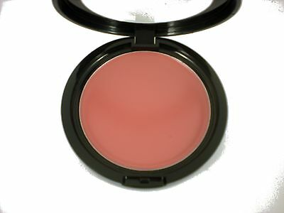 W7 creme de la cream blush blusher