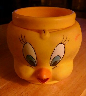 Warner Brothers 1992 Tweety Bird Plastic Kids Drinking Cup Looney Tunes