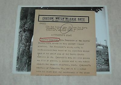 1953 AP NEWS B/W PHOTO with PRESS RELEASE PRESIDENT COOLIDGE VERMONT GRAVE