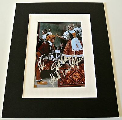 Dick van Dyke Signed Autograph 10x8 photo mount display Chitty Bang Film & COA