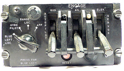 AIRCRAFT PANEL AUTOPILOT ENGAGEMENT UNIT - *MYSTERY * - BELL JMW 1004 - Qty:1