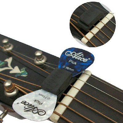 Alice Rubber with 2 FREE Picks Musical Guitar Pick Holder Accessories Gift n