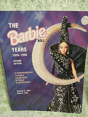 "BARBIE collectors book:""The BARBIE Doll Years 1959-1996  2nd ed. Olds mf-57"