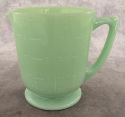 Jadeite Green Glass 4 Cup Measuring Cup ~ 1 Quart / 32 Oz Size ~