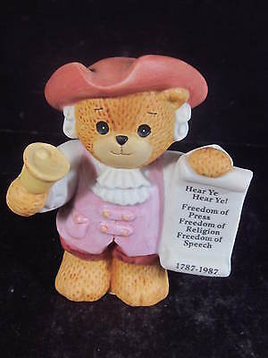 Enesco Lucy Rigg LUCY & ME 1985 TOWN CRIER BEAR Revolutionary Series