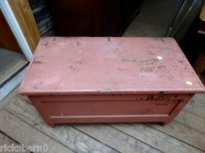 19th  CENTURY  BLANKET  BOX  WITH  TURNED  FEET