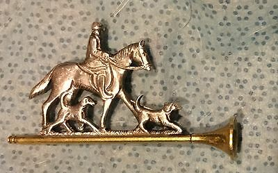 Fox Hunt Hunting Fox Horn with Huntsman and Hounds Pin