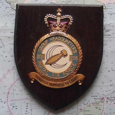 Old RAF Royal Air Force 205 Group HQ Bomb Squadron / Station Crest Shield Plaque