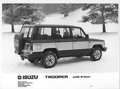 Isuzu Trooper LWB 5-Door Press Photograph - 1987