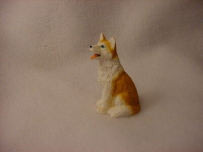 HUSKY red white puppy TiNY FIGURINE Blue Eye Dog MINIATURE Mini Resin Statue NEW