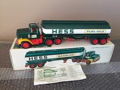 Vintage 1977 Hess Tanker Truck w/Battery Card NEW IN BOX