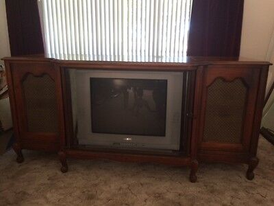 Vintage Imperial Mid Century TV/Stereo Console