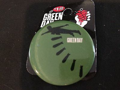 Green Day Pin Button Badge - Bombs 2005 American Idiot - Mint On Package