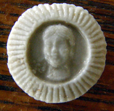Antique Siam Small Porcelain Gaming Piece With Head In Raised Relief Rare Look