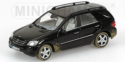 Minichamps 1:43 Mercedes M-Class 2005 - dirty version