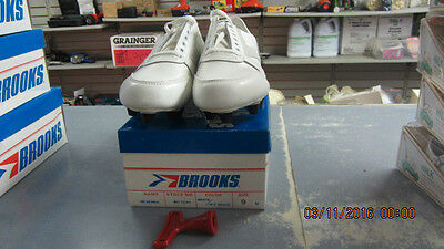 NOS Vintage Brooks Football Soccer Cleats Shoes Size 9 Men's White/Off White