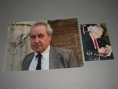 John Banville = Benjamin Black signed autograph Autogramm 8x11 photo in person