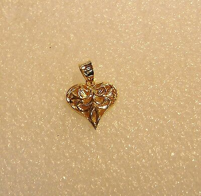14K Yellow Gold Open Carved Detailed Heart Pendant Charm N640-B
