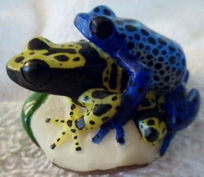 Wounaan Embera Super Double Tagua Frog Carving-Panama 16042805L