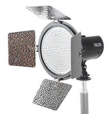 Yongnuo Kamera /- Video LED Videoleuchte YN -216 216x LED 3.200 - 5.500K