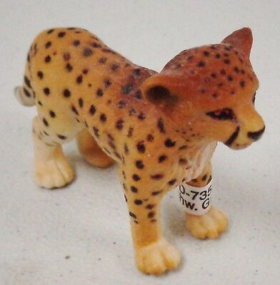 """Cheetah Animal (made of plastic) 1.5"""" high  (new with tags) Schleich (Lot of 2)"""