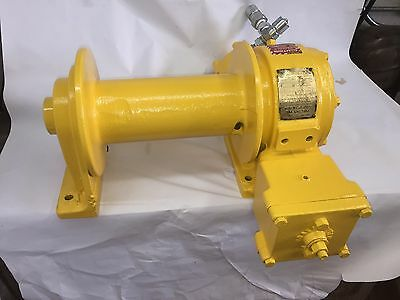 Winch Bloom Series 1200 10,000 Pounds Capacity  Model 12B.96.L8 Hydraulic  Winch