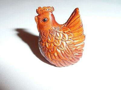 Beautiful Hand Carved Boxwood Hen Button - Chicken