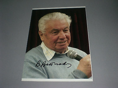 Wladimir Woinowitsch writer signed autograph Autogramm 8x11 photo in person
