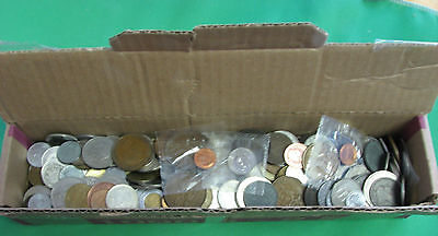 FOREIGN COINS WORLD LOTS 5 POUNDS nice coins with some old coins