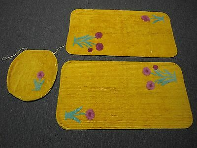 VINTAGE GOLDEN YELLOW CHENILLE BATH MAT & TOILET SEAT COVER with FLOWERS