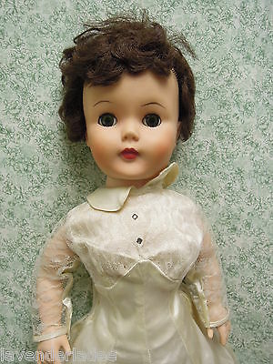 "Deluxe Reading 24"" Bride fashion doll vintage 1950's, rubber body   pm-5"