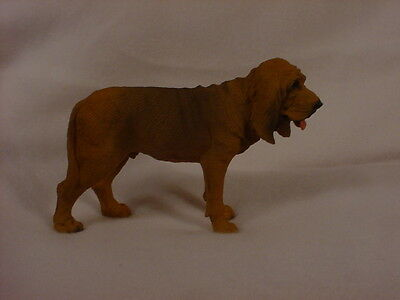 BLOODHOUND dog HAND PAINTED FIGURINE Statue Puppy COLLECTIBLE resin NEW