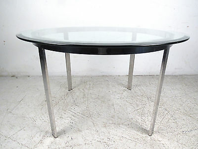 Mid Century Modern Round Glass And Chrome Coffee Table (8536)NJ