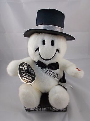 Dan Dee Smile Smiley Face Millenium Tickle Wiggle Plush New Year's Day